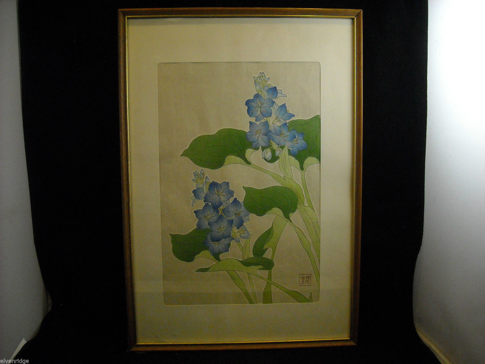 Asian Style Blue Flower Picture