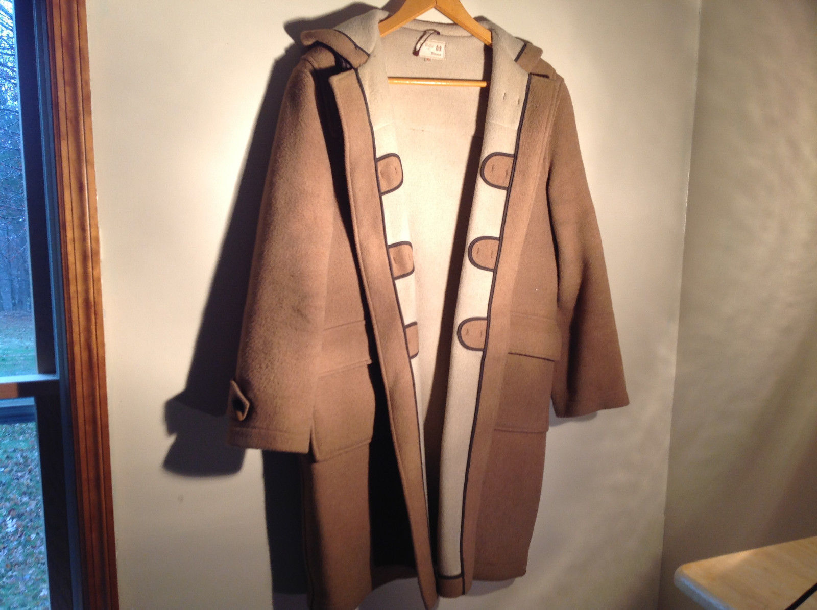 Attractive B Geller of Vienna Beige Heavy Wool Coat with Hood Pockets Size 42