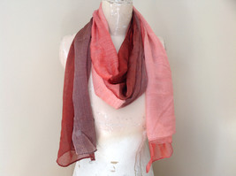 Attractive Crimson Red Pink Shimmery Material Fashion Scarf Made in China