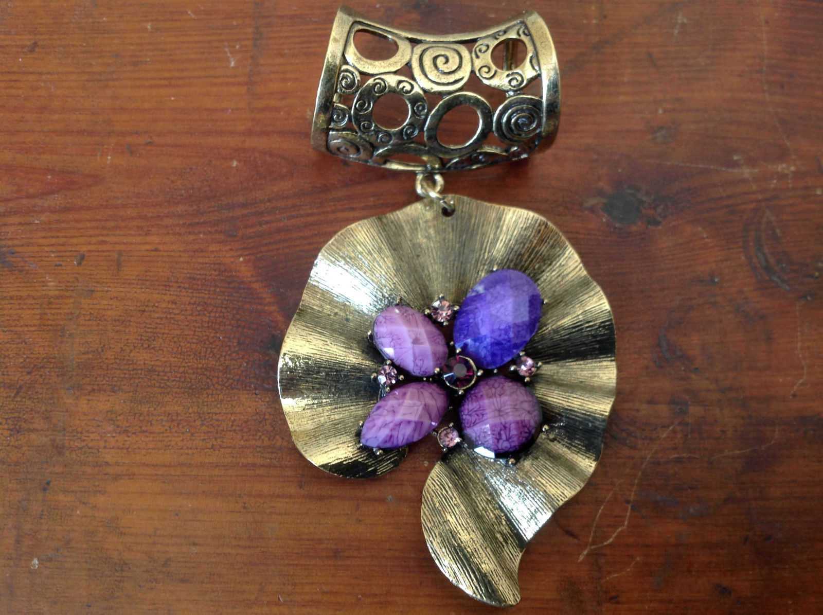 Attractive Purple Stones and Crystals Gold Tone Scarf Pendant by Magic Scarf