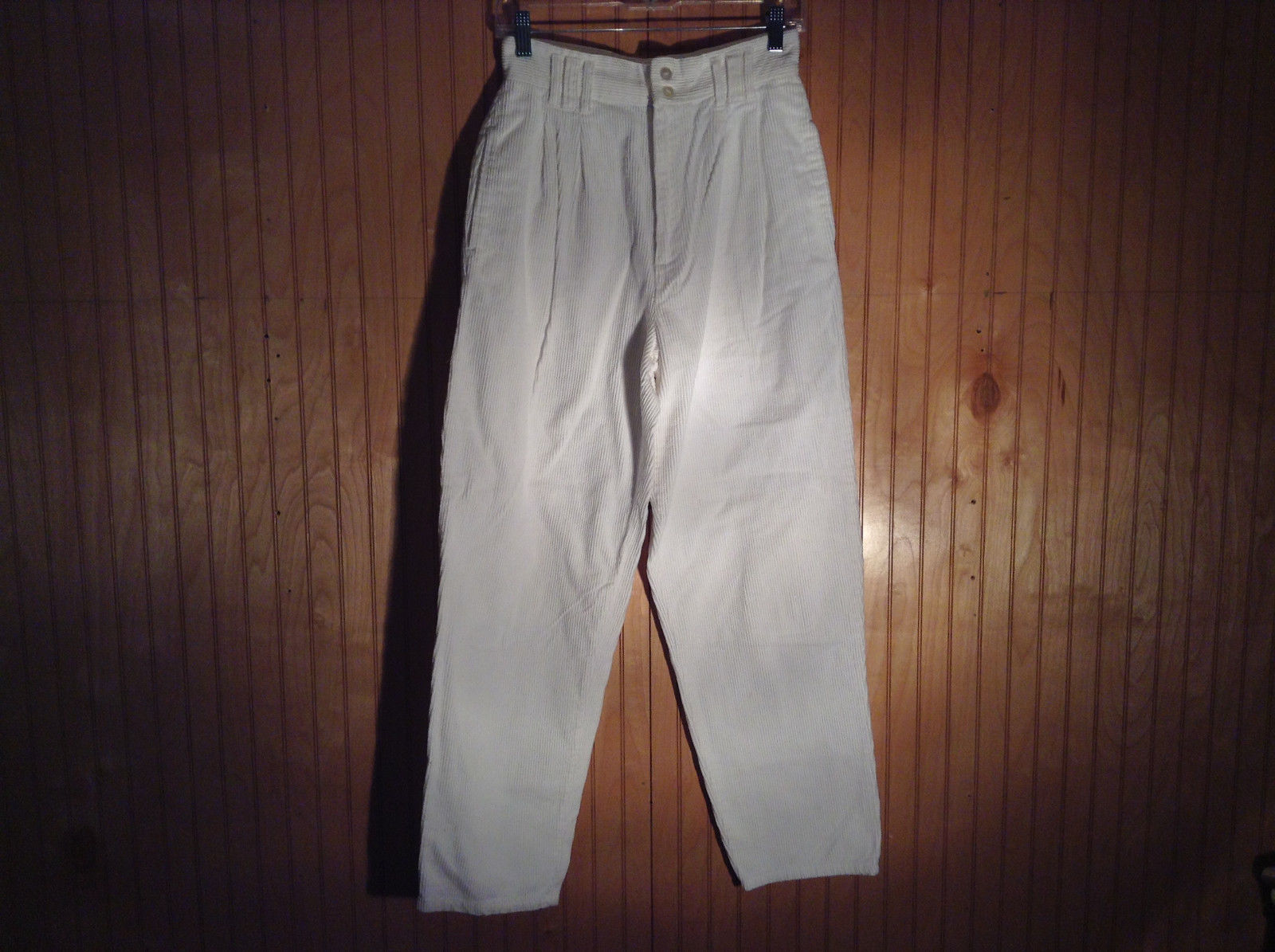 B Moss Clothing Company 100 Percent Cotton White Corduroy Pants Size 9 to 10