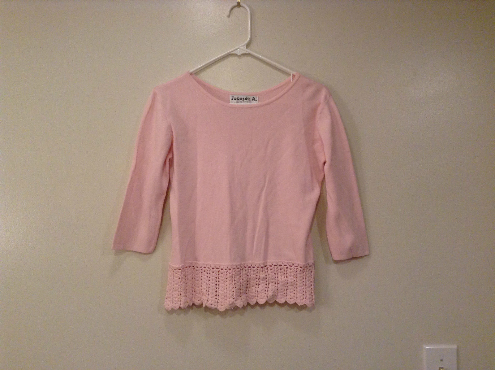 Baby Pink Joseph A Petite Top lace Decoration on Bottom Scoop Neck Size Large