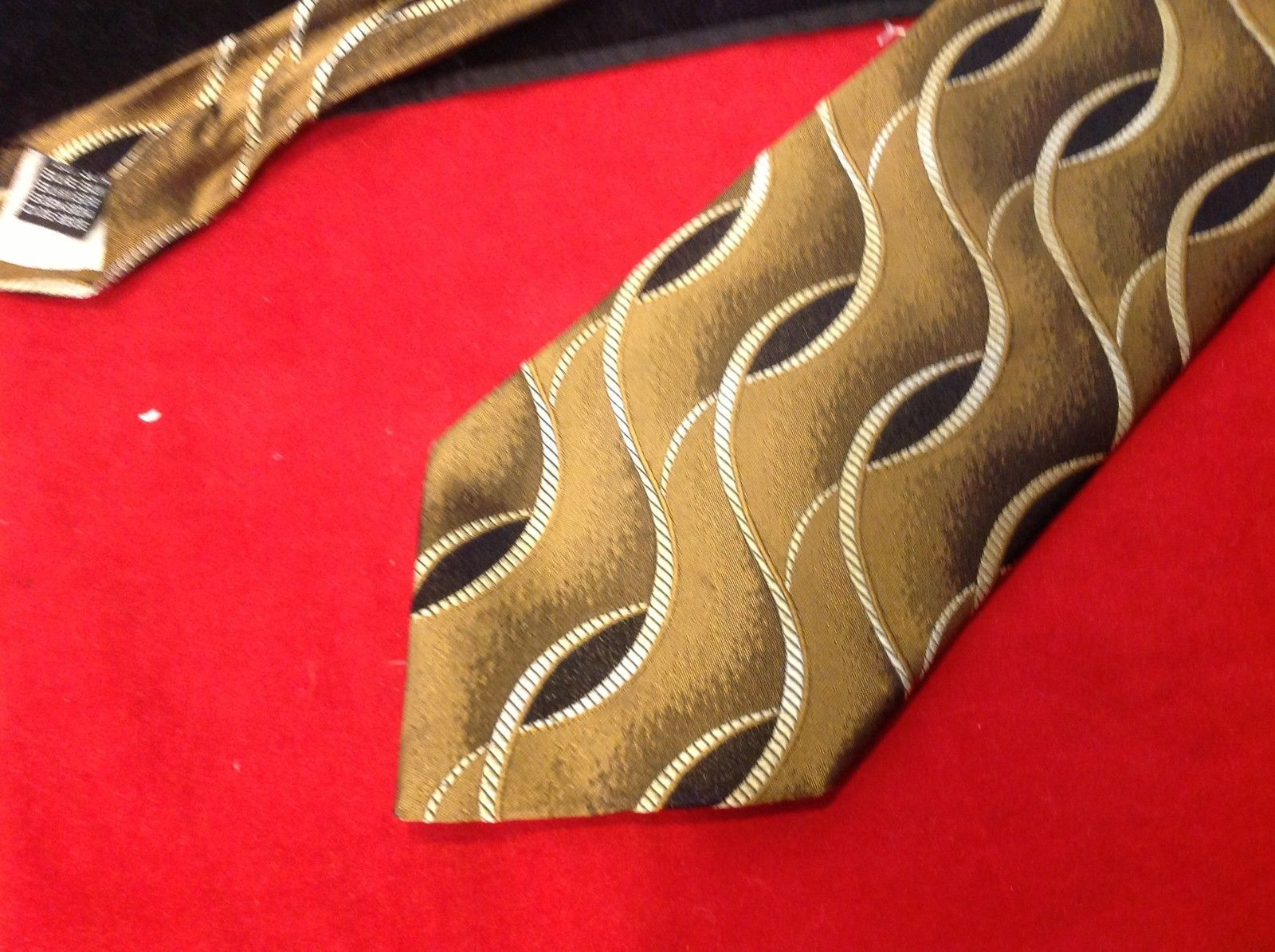 Bachrach Mens Tie Made in Italy Gold Color 60 Inches