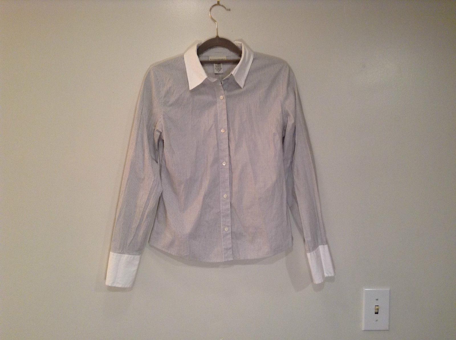 Banana Republic Long Sleeve Button Up Shirt White with Blue Stripes Size Small
