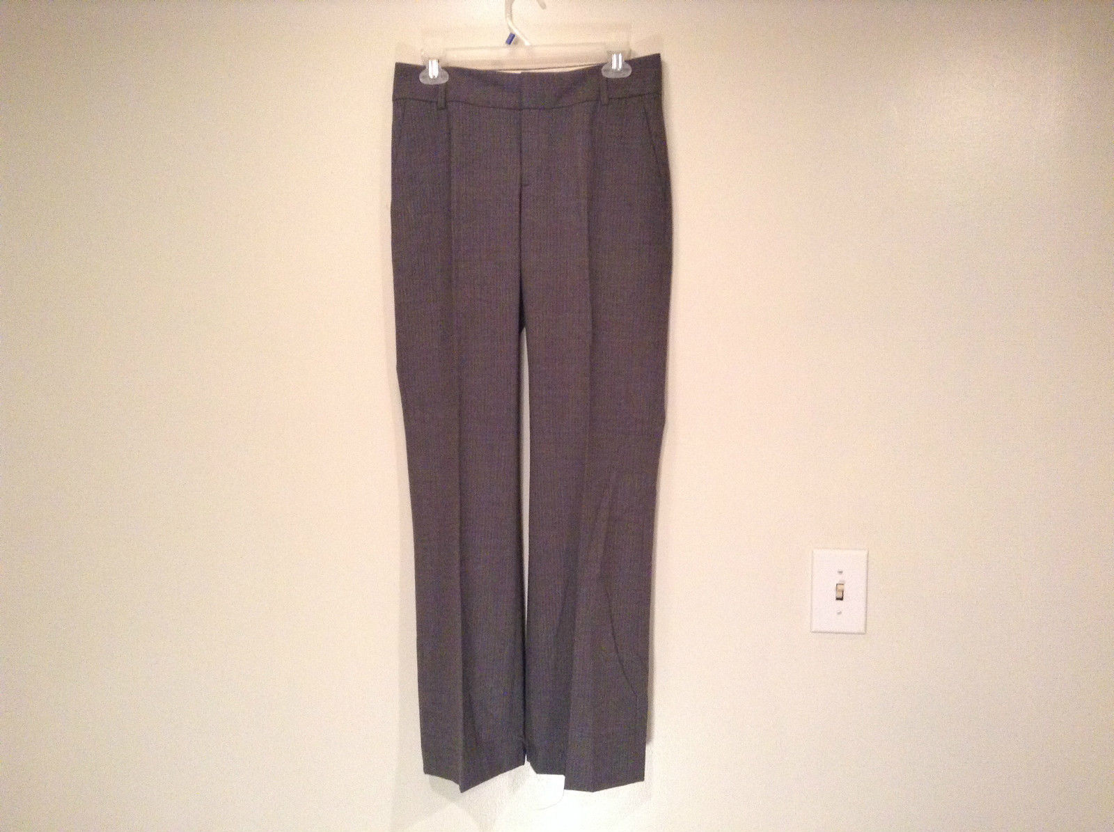 Banana Republic Size 4 Fully Lined Gray Dress Pants Very Nice Pleated Front