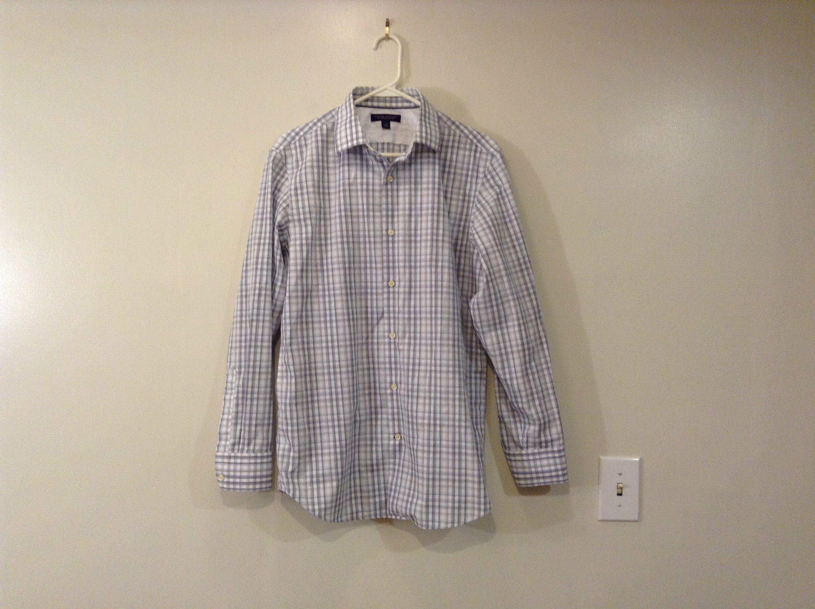 Banana Republic Slim Fit Button Up Shirt White with Blue Brown Stripes Size M