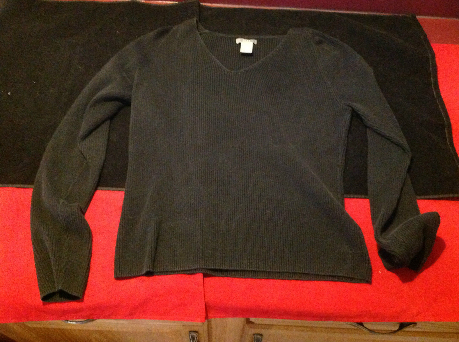 Bass Ladies Long Sleeve Black Top V-Neck Made in Hong Kong Size Large