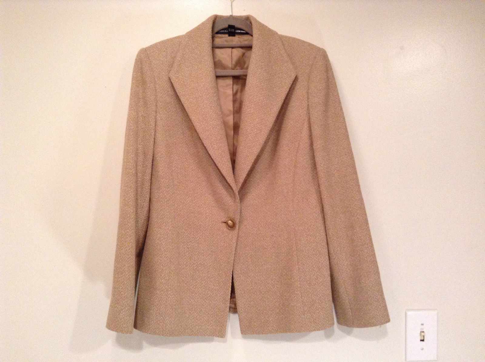 Beige Size 10 Ellen Tracy Blazer Wool Blend 1 Button Closure Excellent Condition