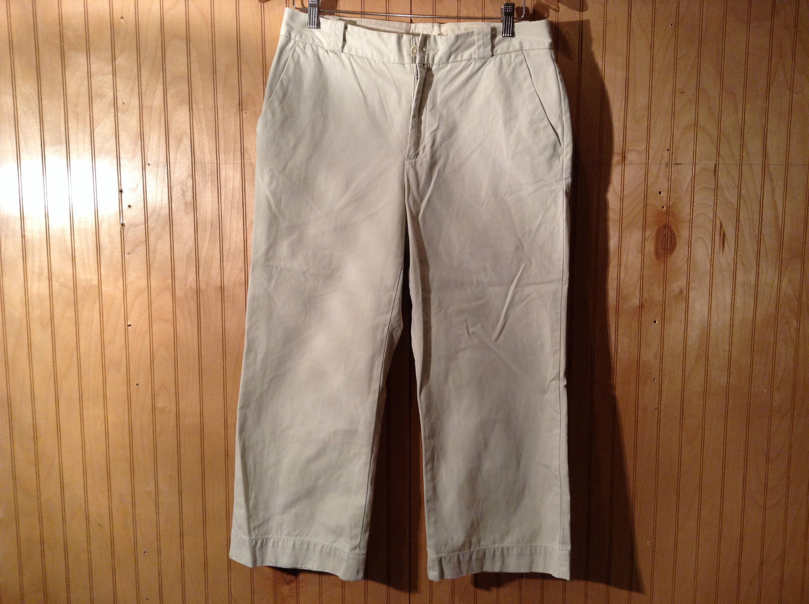 Beige Gap Capri Pants Size 10 Side Pockets Zipper Button Closure Good Condition