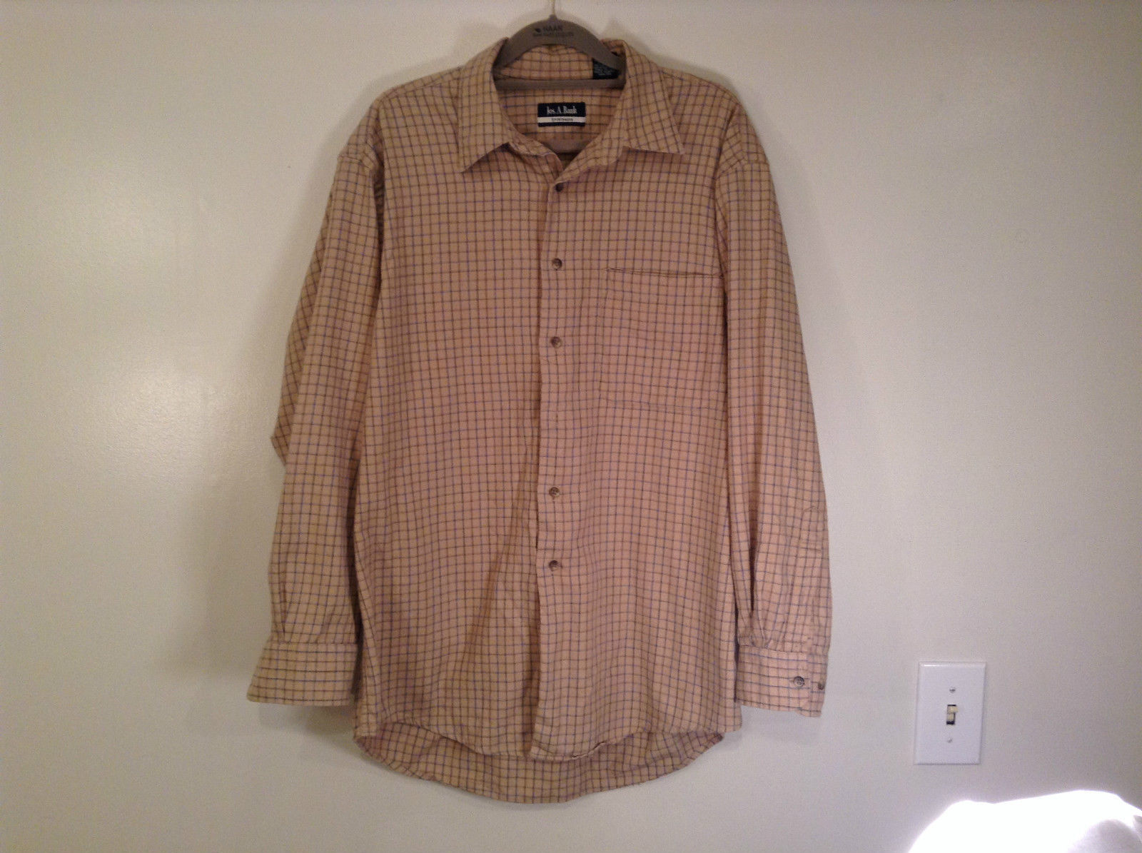 Beige Plaid Long Sleeve Jos A Bank Sports Wear Shirt Excellent Condition Size M