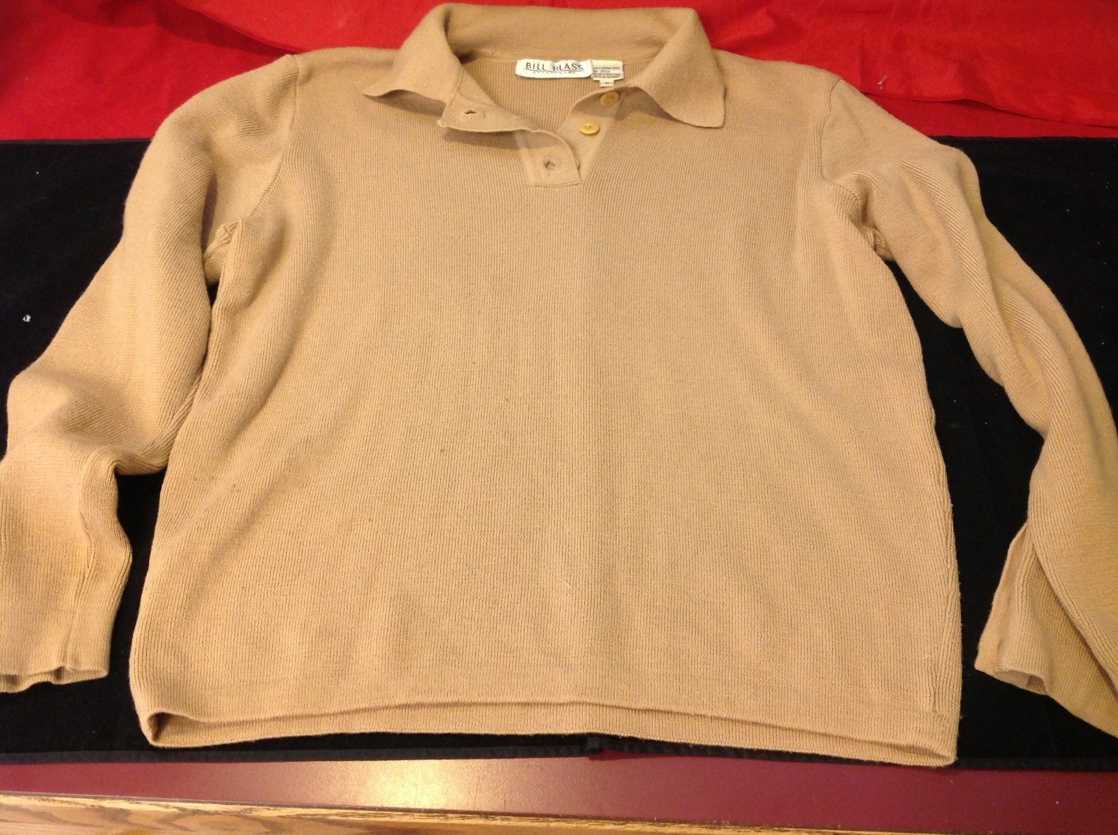 Bill Blass sport wear long sleeve sweater light brown size medium