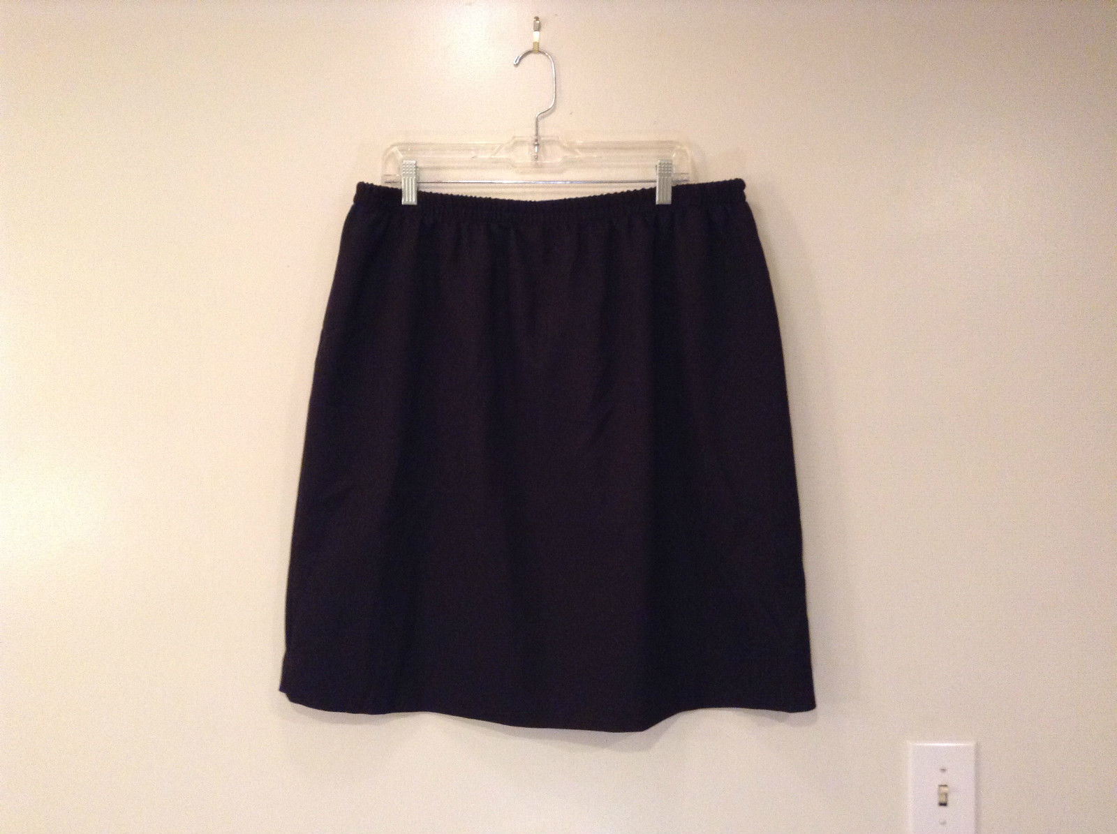 Black 100 Percent Polyester Skirt Elastic Waist Slit on Back Size 24W Petite