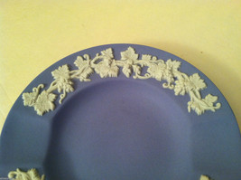 1957 Wedgwood Jasperware Set - Large and small blue plate set image 6
