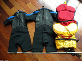 2 EXCEL Youth Wetsuits with 2 MTI Youth Life Vests image 2