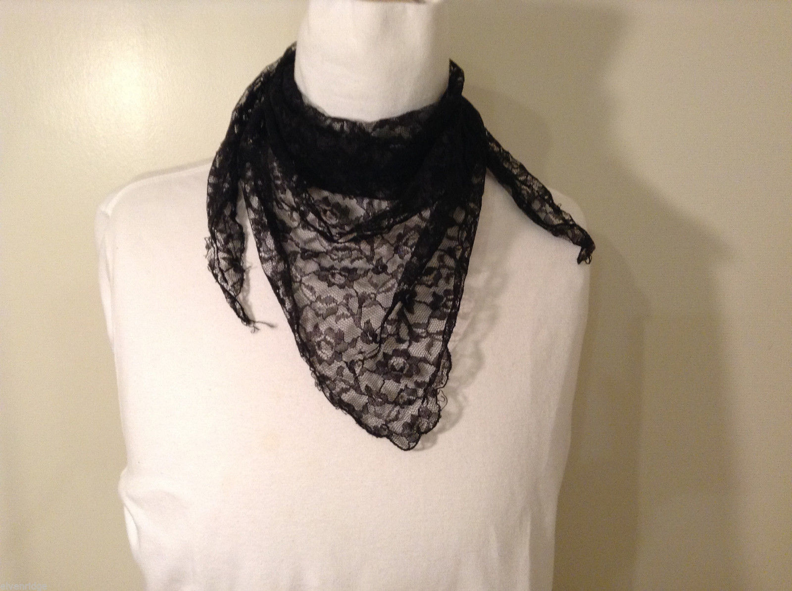 Black Floral Lace Triangle Shaped Scarf