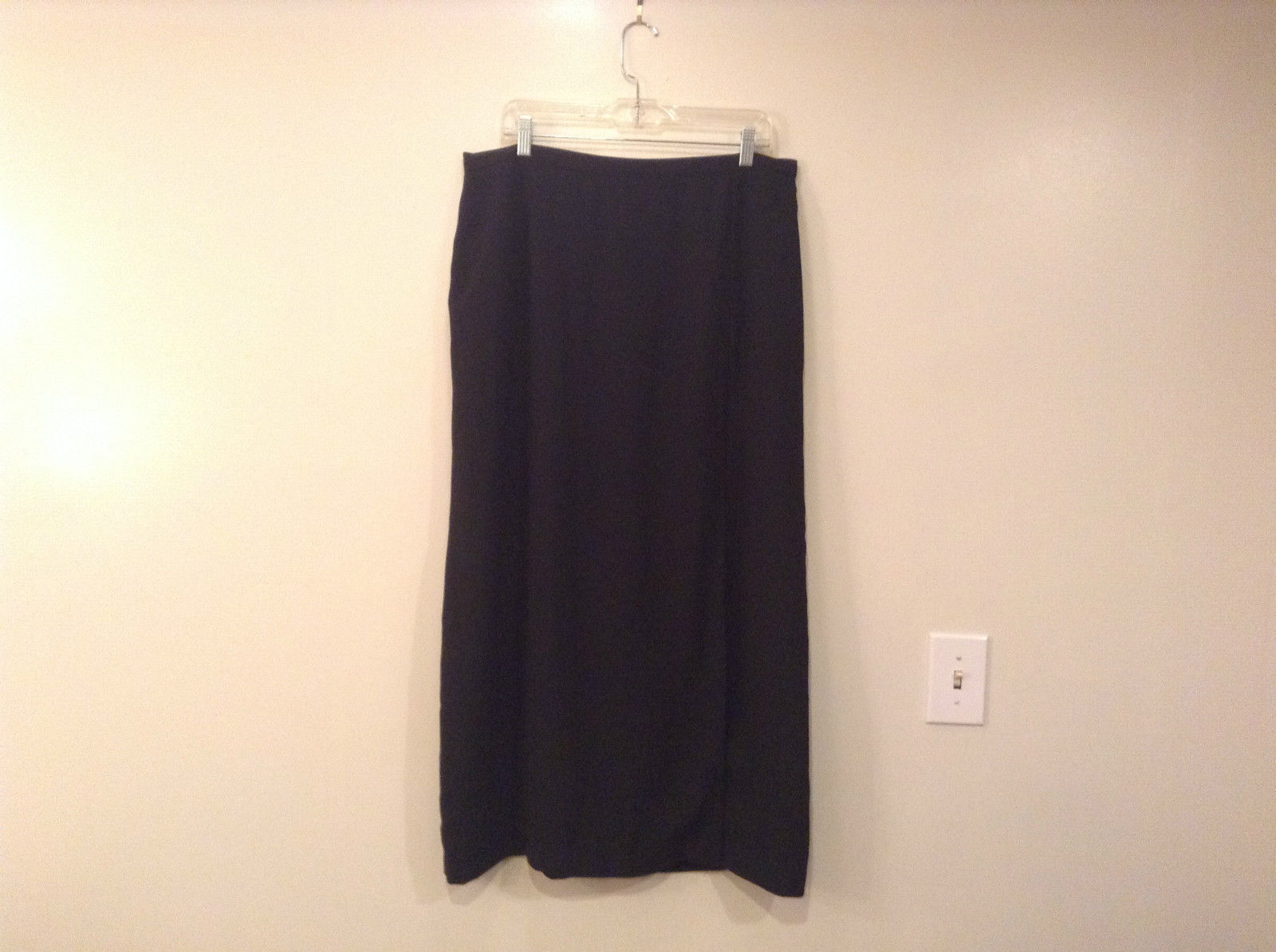 Black Fully Lined Rafael Skirt Back Zipper Left Front Slit No Pockets Size 18