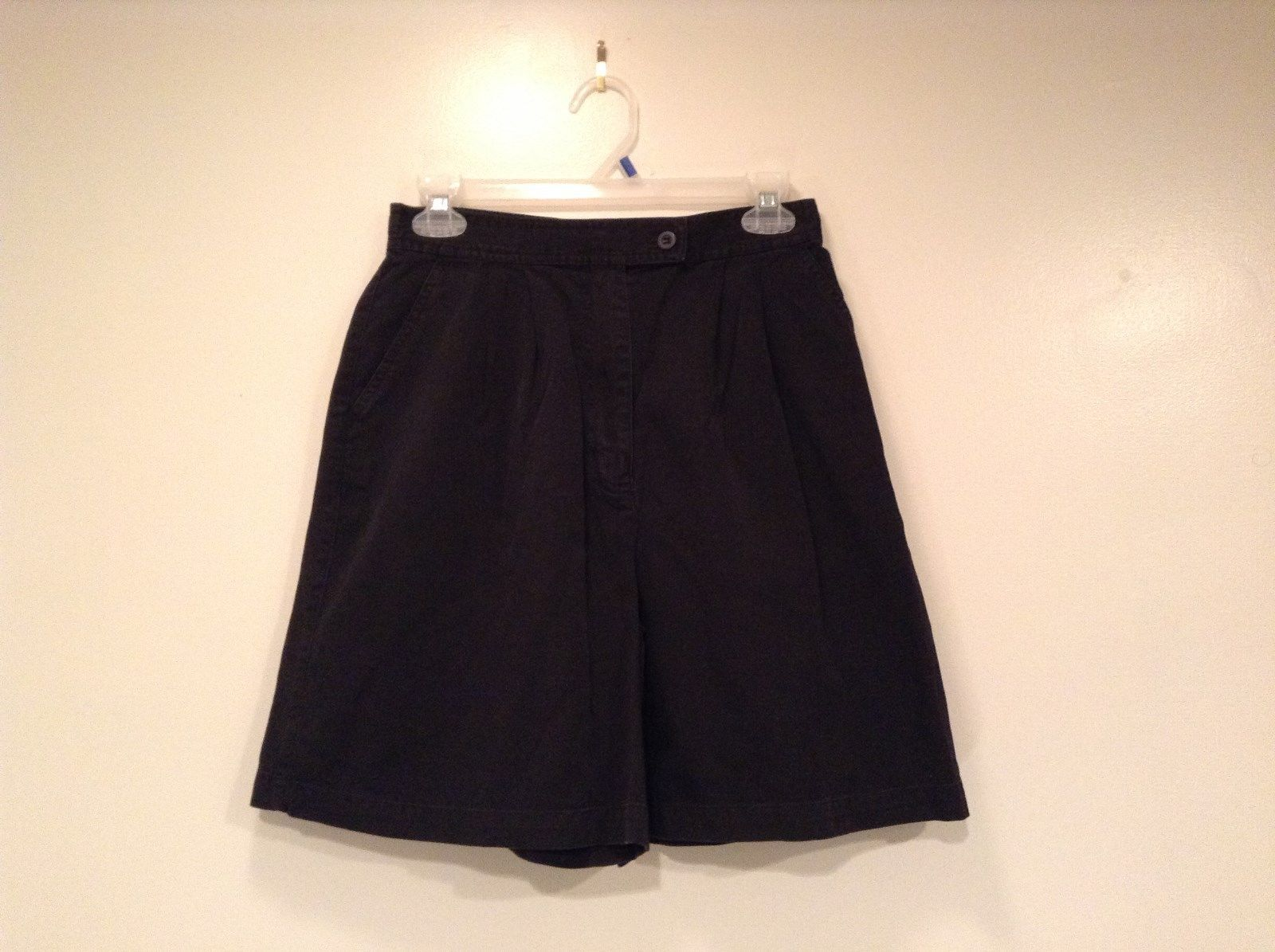 Black IZOD 100 Percent Cotton Casual Shorts Size 10 Partial Elastic Waistband