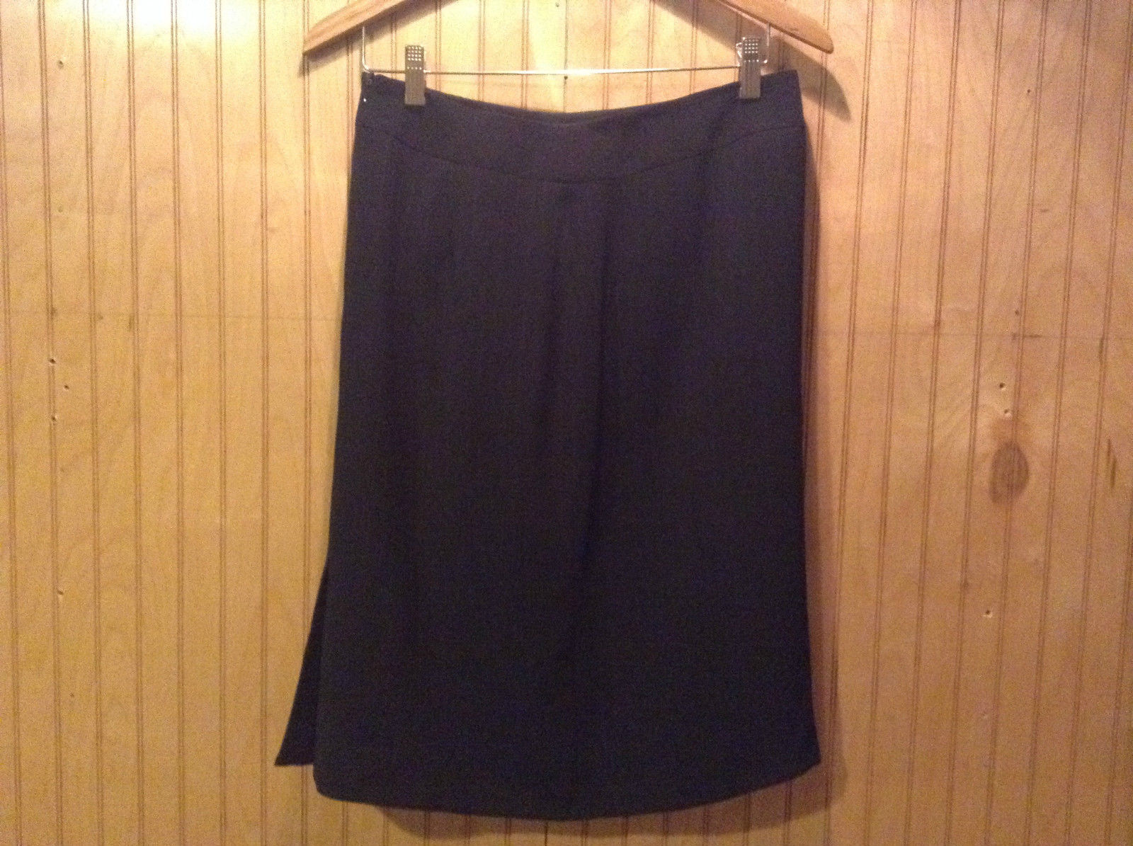 Black Pinstriped Knee Length Skirt Side Slits Zipper Closure Size 8 Unbranded