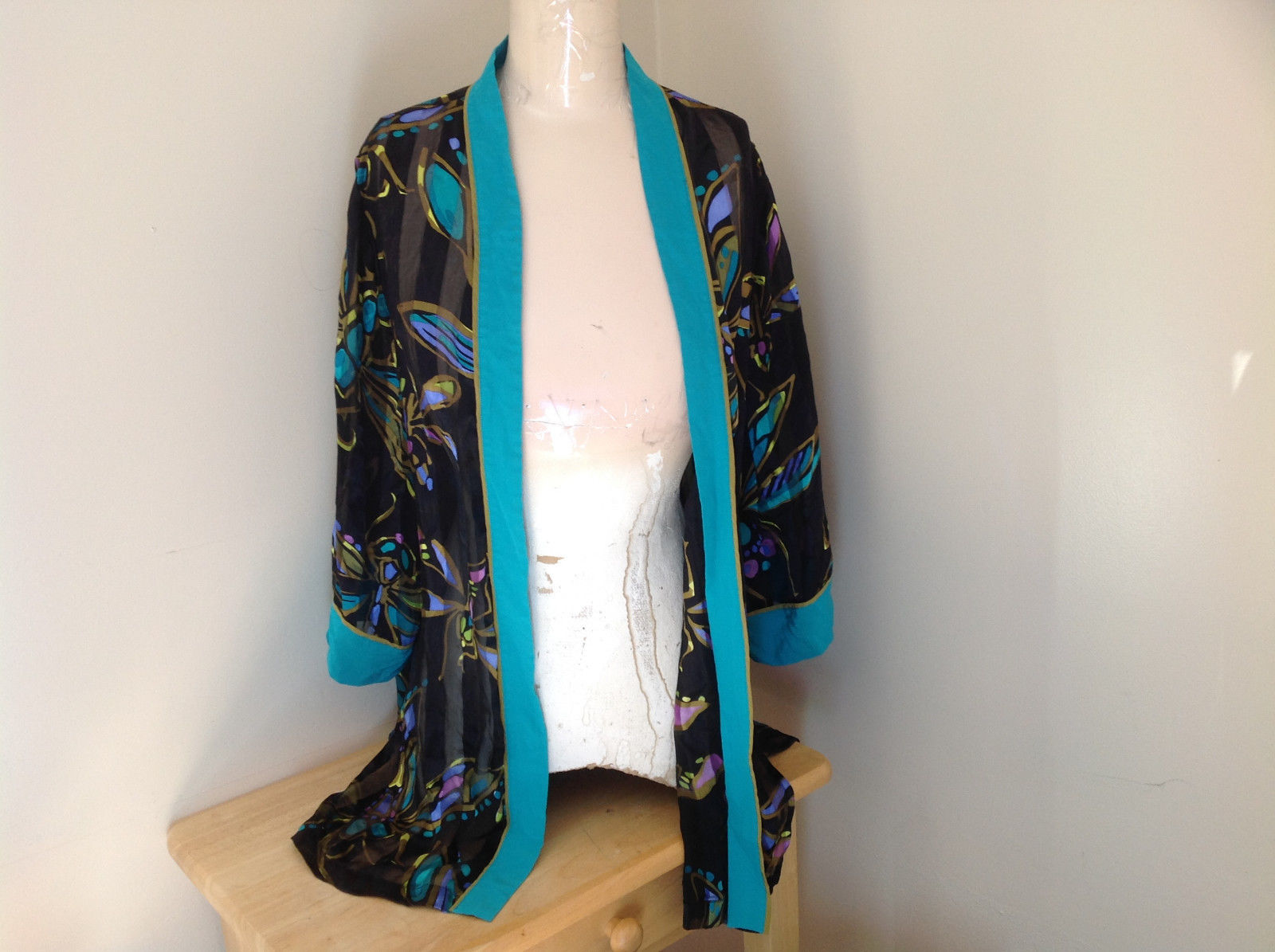 Black Teal Green Dragonfly Design Kimono Made in China 100 Percent Silk Size M