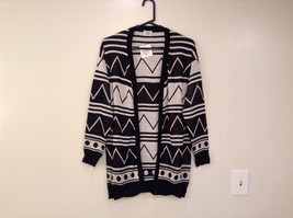 Black and White Anorak Long Sleeve Cardigan Sweater Wrap New in Package image 1