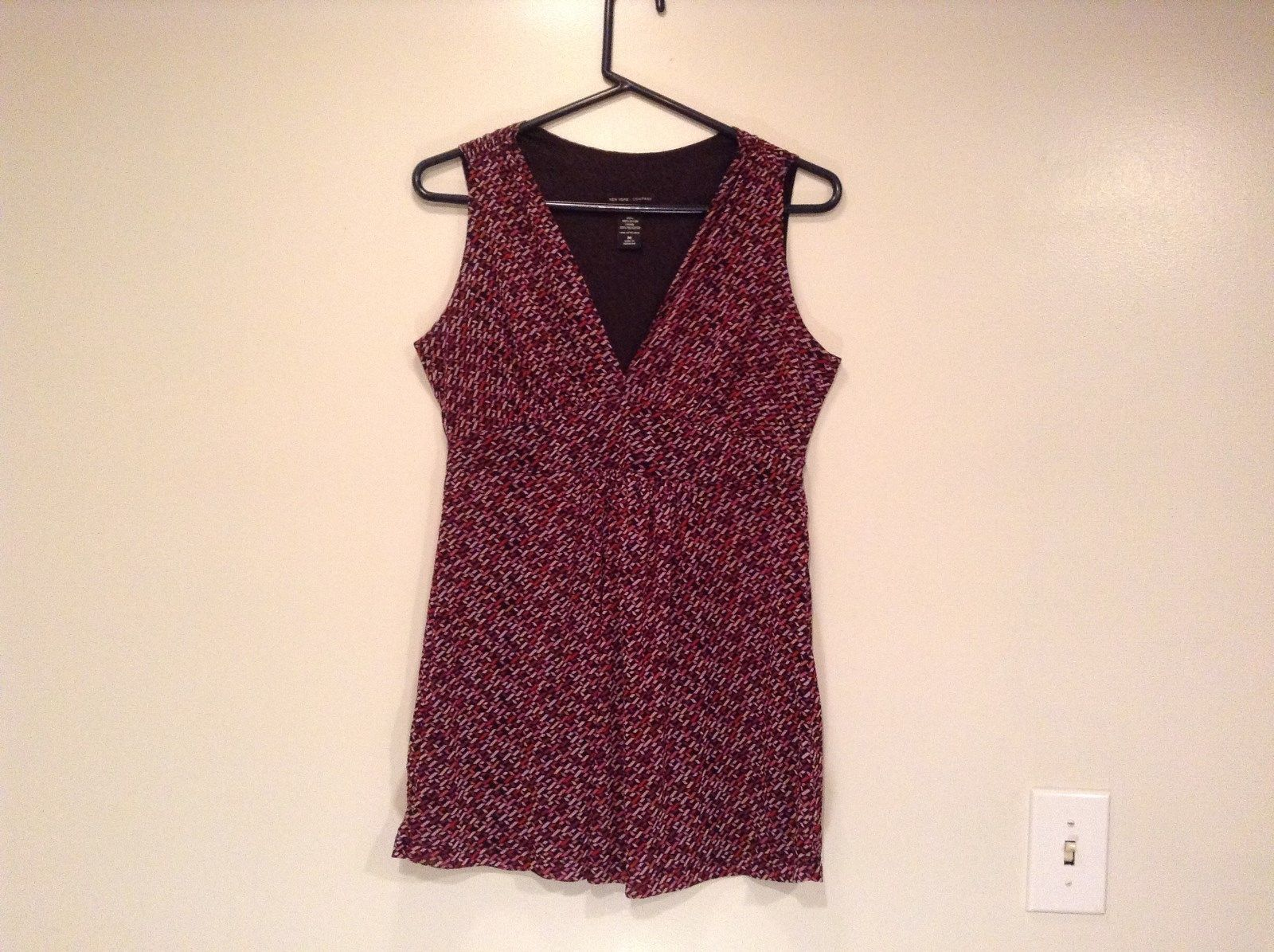 Black with Pink Red Maroon Dots Sleeveless Tank Top Size M New York and Company