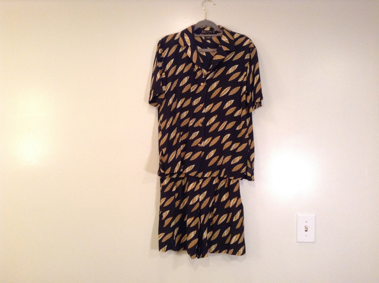 Blouse Short Set ESCADA Size 6 Black with Yellow Banana Leaves Pattern