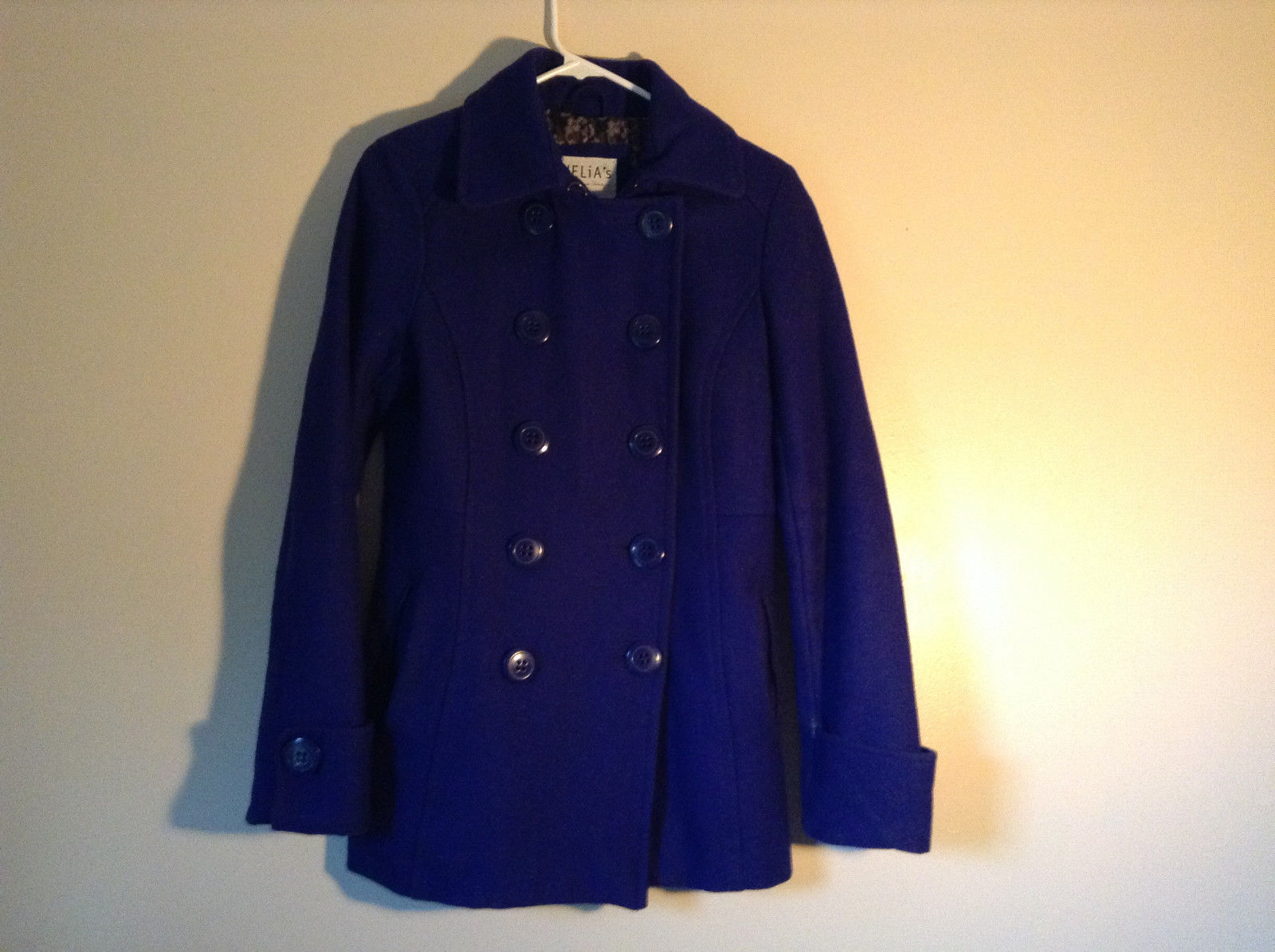 Blue Coat by Delias Size M Pockets Thinsulate Insulation Cuffed Sleeves