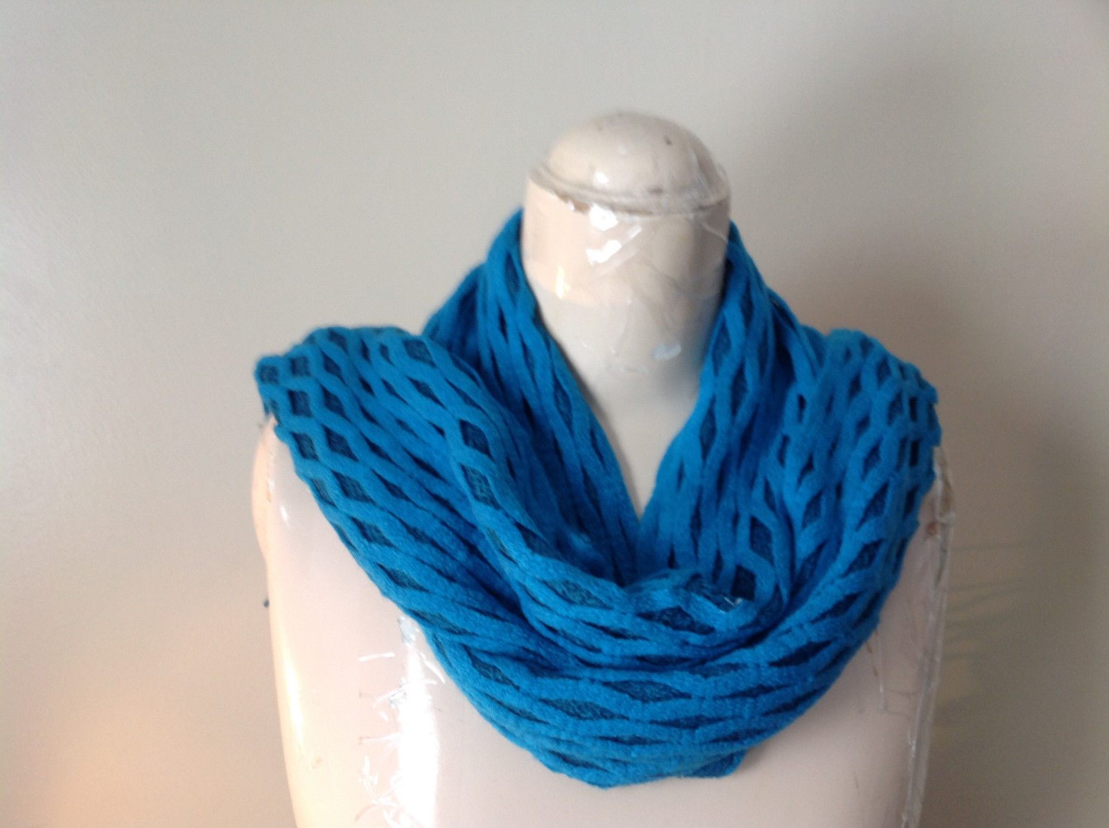 Blue Filigree Web Diamond Light Weight Stretchy Scarf See Measurements Below
