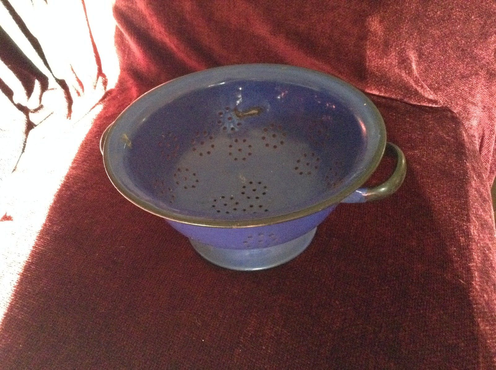 Blue Metal Polish Made Colander Strainer With Handles