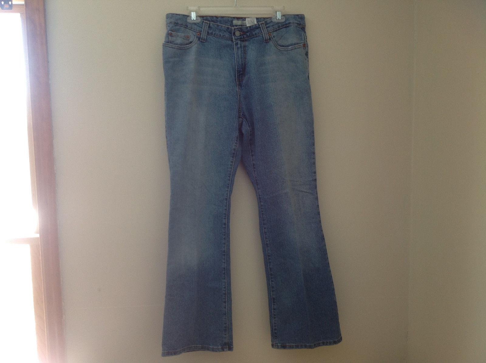Boot Cut Levis Blue Jean Lighter Wash 5 Pocket Button Zipper Closure Size 16M