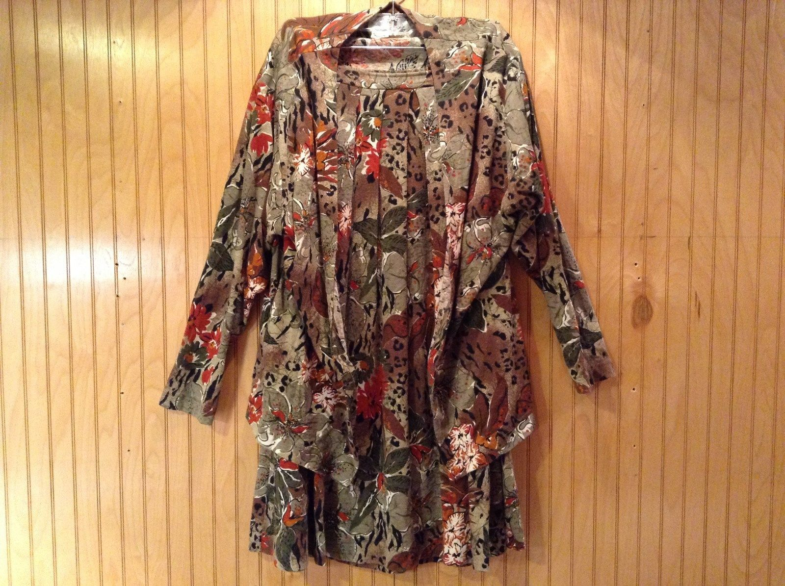 Boston Traveler Flowered Skirt and Jacket Set Size Medium Long Sleeves