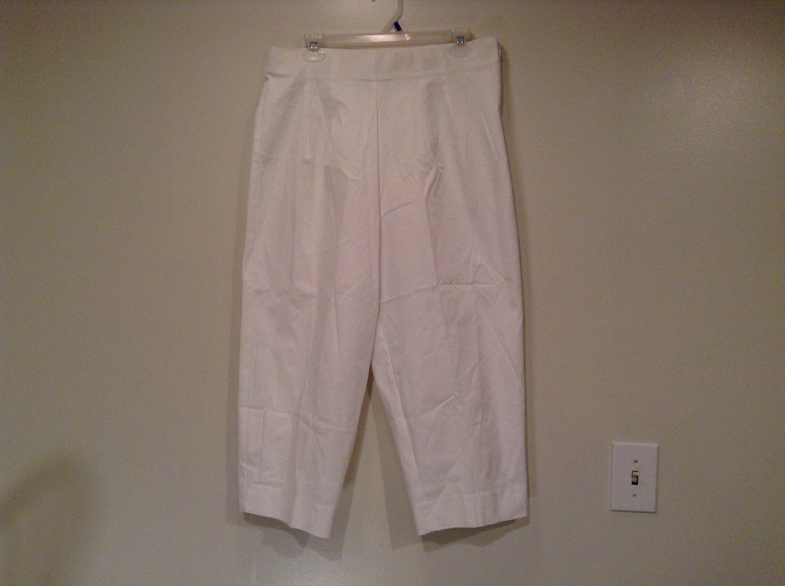 Briggs New York Size 16W White Casual Capri Pants