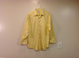 Brooks Brothers Soft Yellow 100% cotton Shirt, Size 16-1/2 (33), No pockets