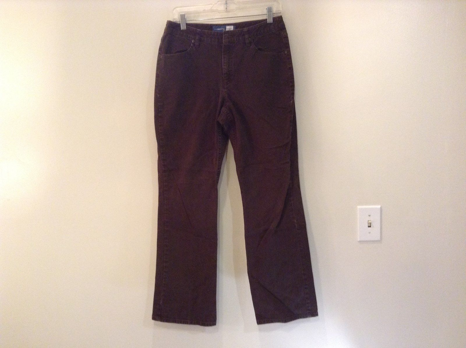 Brown Boot Cut Fit Size 8 Liz Claiborne Casual Pants Button and Zipper Closure