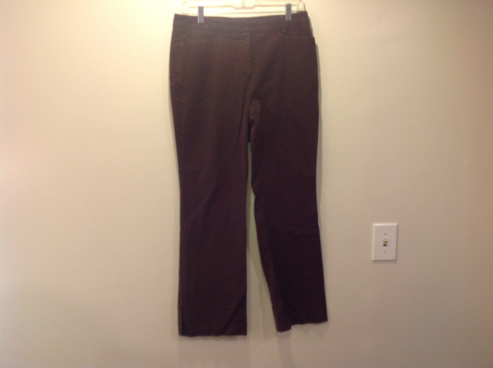 Brown New York and Company Casual Pants Size 10 Good Condition 2 Front Pockets