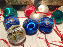 20 Piece Ornament  Set Colorful Balls Red Green Blue White Good Condition image 4