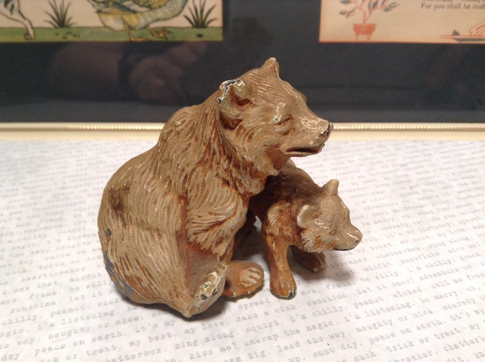 Brown Tone Metal Hollow Vintage Mother Bear with Cub Statue Figurine