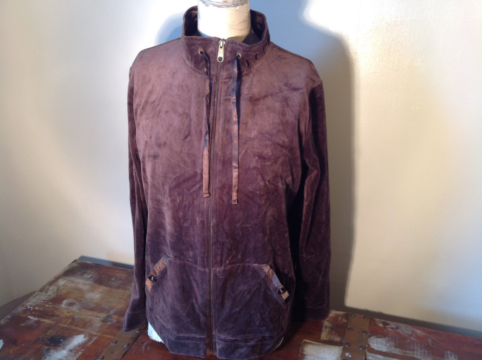 Brown Zip Up Hannah Sweatshirt  Size Medium soft fleece w matching bottoms