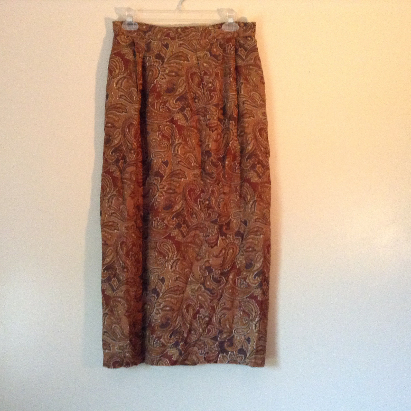 Brown and Gold Patterned Skirt by Evan Picone Pockets 100 Percent Rayon Size 12