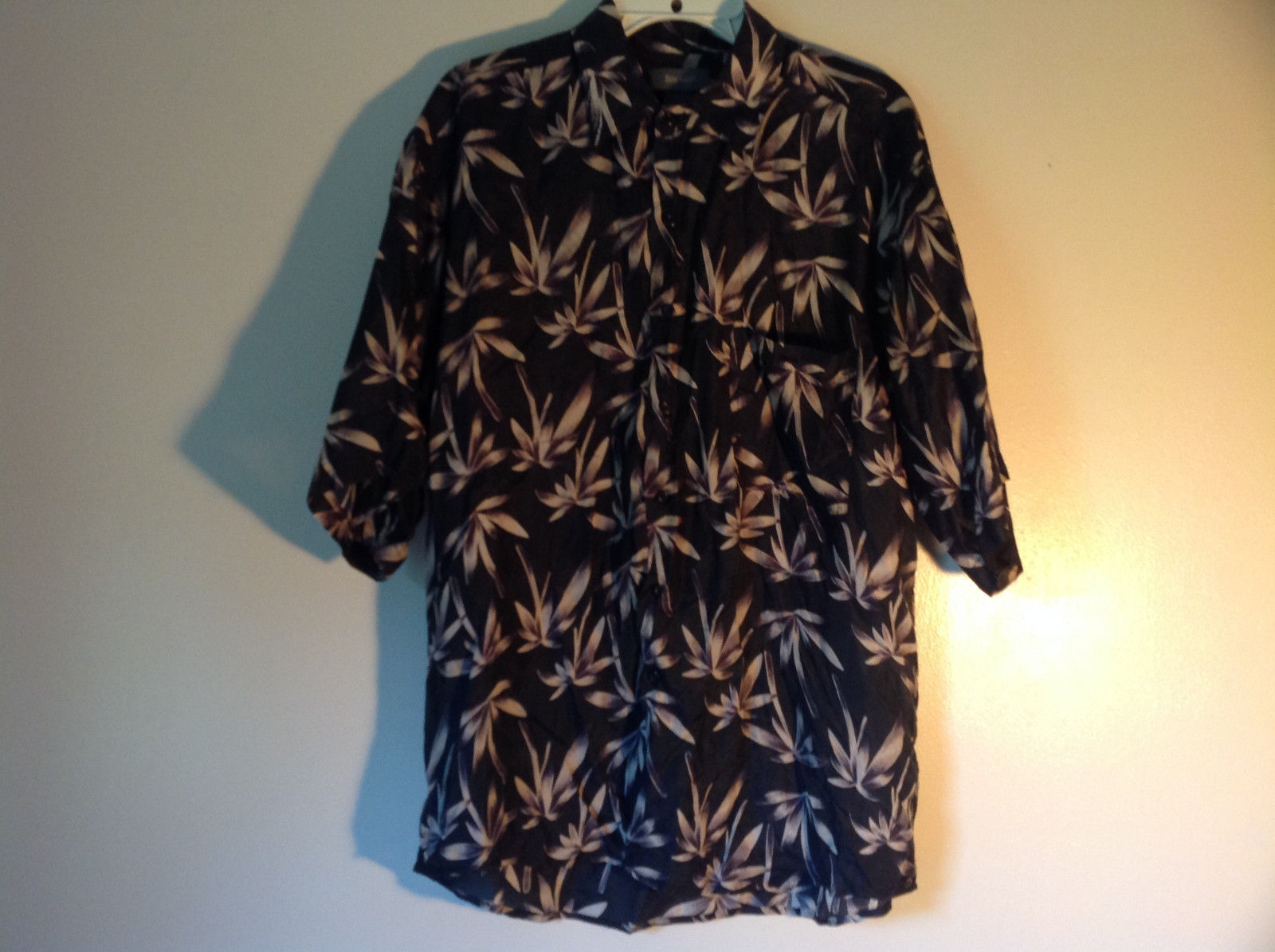 Bruno Size Large Button Up Short Sleeve Shirt 100 Percent Silk Floral One Pocket
