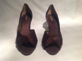Brown Metallic Jacqueline Ferrar Heels Size 9M Closed Toe Heel Good Condition