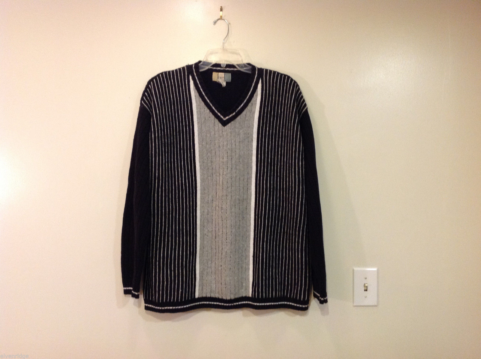 CITY Streets Black Gray Stripes Long V-Neck Sweater, size XXL