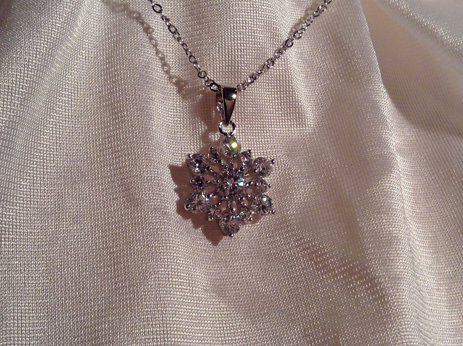 CZ Stone Snowflake Pendant Silver Necklace Lobster Clasp Closure