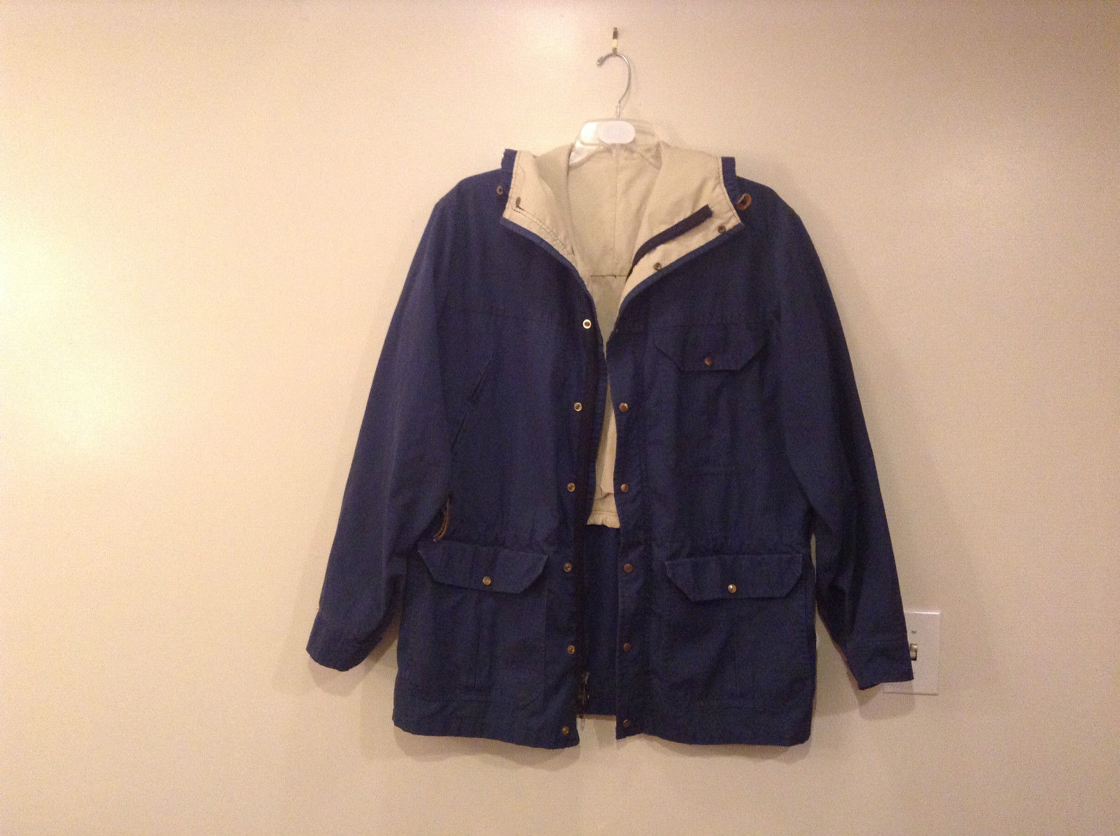 CAMP 7 Dark Blue with Beige Lining Hooded Jacket Lots of Pockets No Size Tag