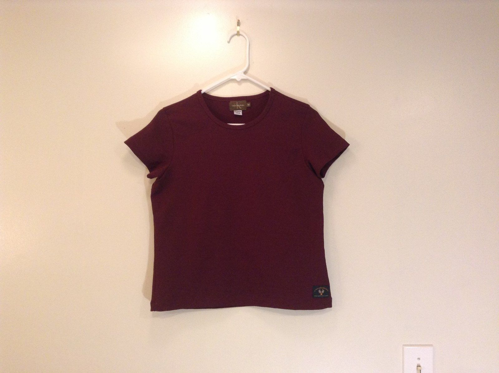 Calvin Klein Short Sleeve Maroon Scoop Neck Top 100 Percent Polyester Size M