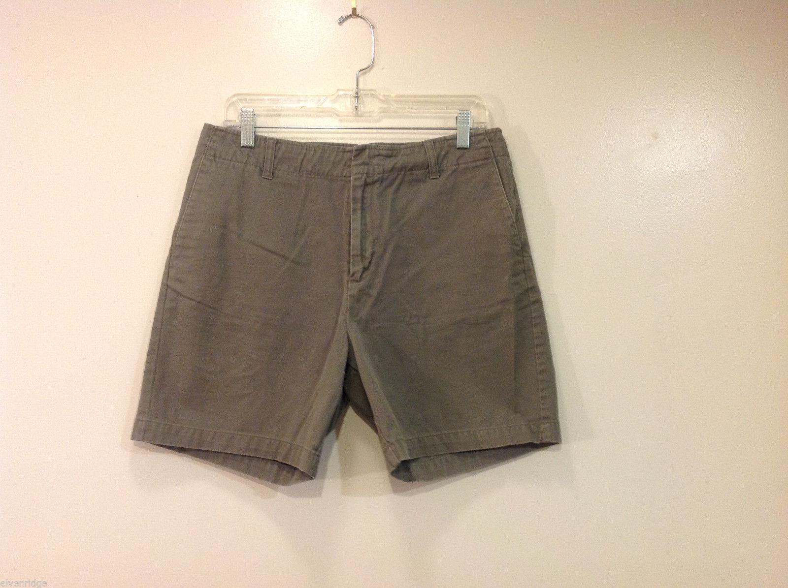 Calvin Klein Ladies Casual Khaki 100% Cotton Shorts, Size 10