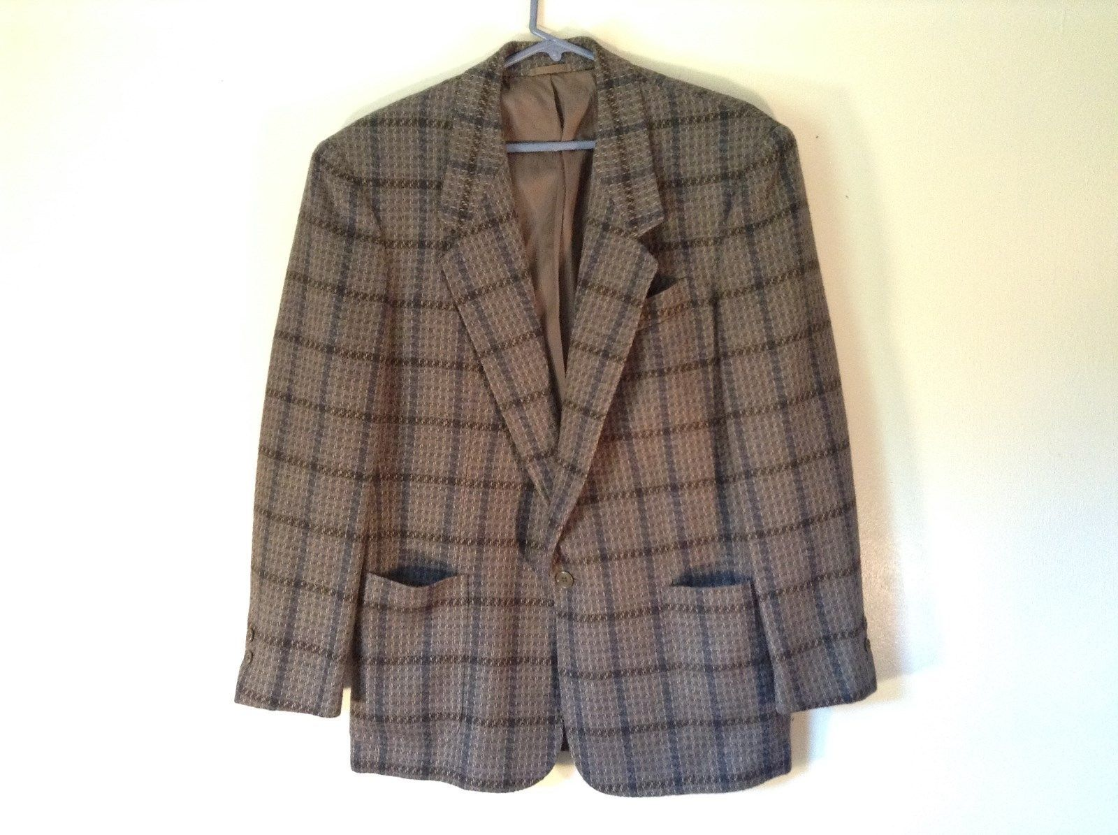 Cecilia Metheny Plaid Blazer 100 Percent Pure Lambs Wool Size 38 Made in Italy