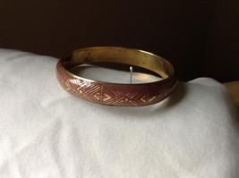 Charming Pink Chevron Design Gold Tone Fun Bangle Bracelet Vintage Style  image 1