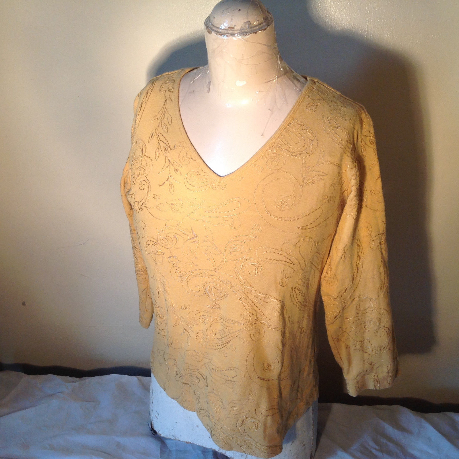 Chicos Gold Yellow V Neck Top Three Quarter Length Sleeves Size 1
