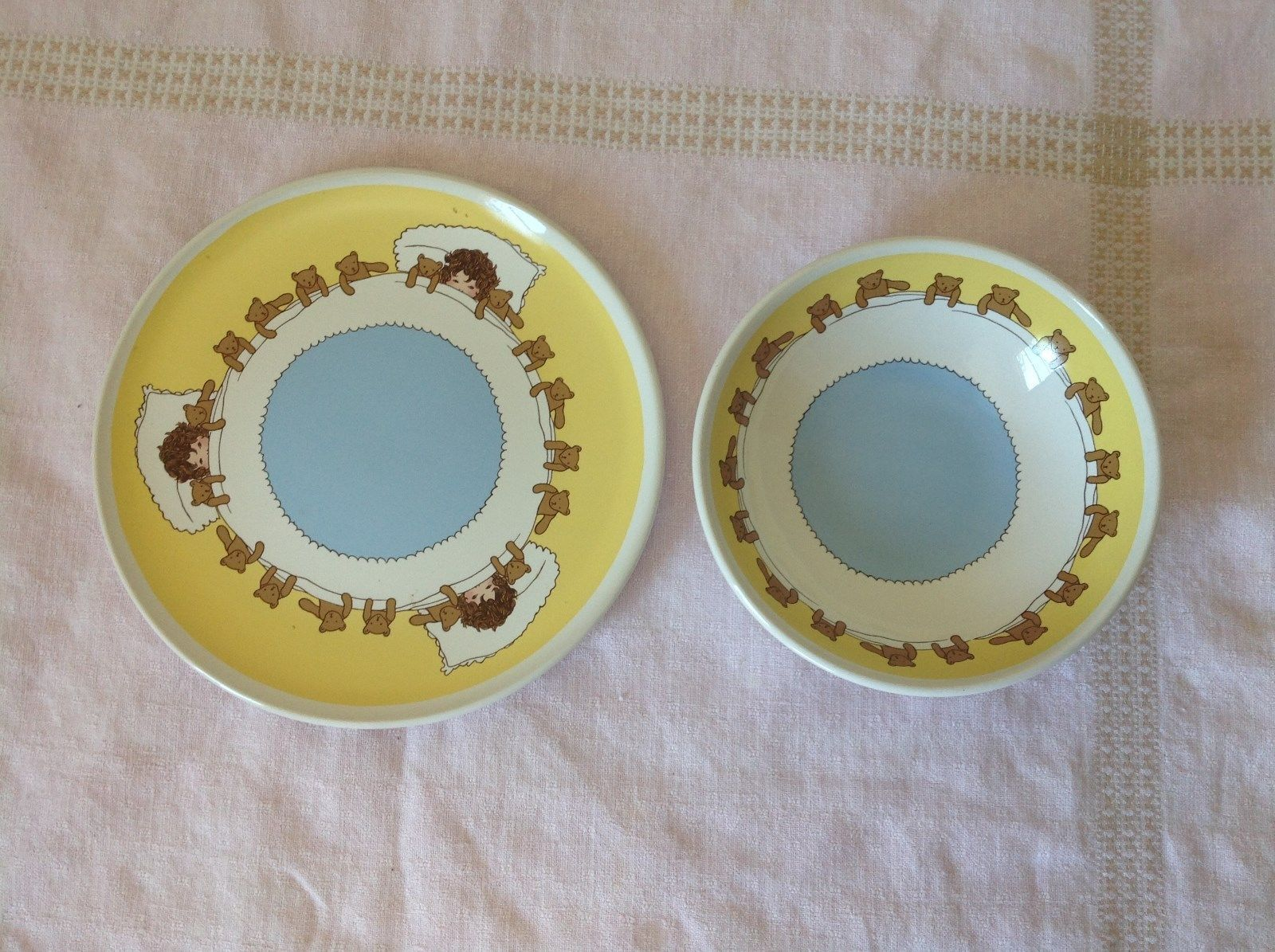 Child Dish and Bowl Set Yellow White and Blue With Teddy Bears and Child